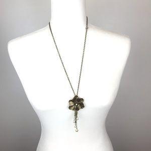 3/25📍Flower Necklace